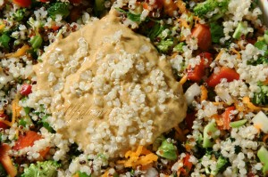 zurneno-cvetna salata i sos s tahan